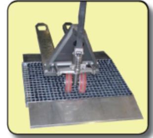 zerbino-pulizia-ruote-transpallet-spazzole